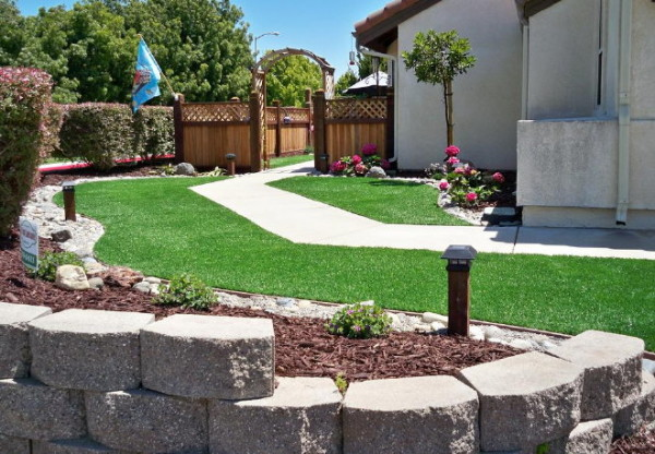 fake-grass-landscaping-12