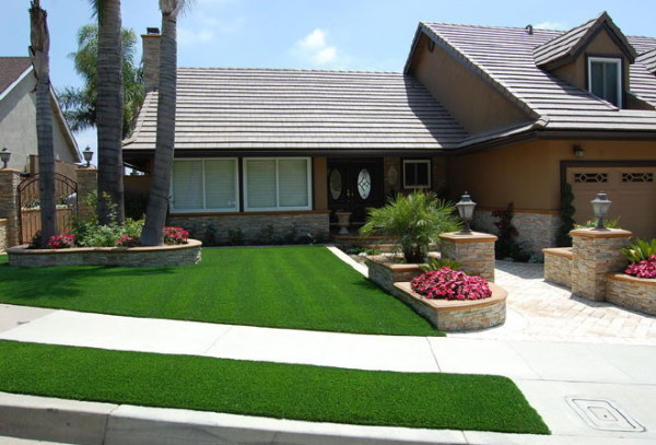 fake-grass-landscaping-6